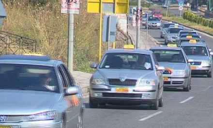 Αγρίνιο: Σύλληψη ταξιτζή για υποκλοπή μεταφορικού έργου
