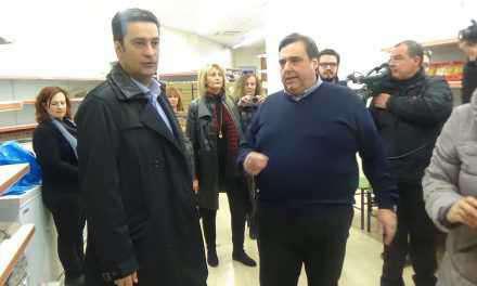 Ο Δήμαρχος Αγρινίου στο Κοινωνικό Παντοπωλείο