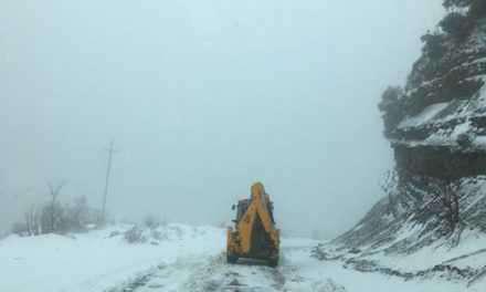 Αιτ/νία: Βροχές και χιόνια δυσχεραίνουν την κίνηση των οχημάτων  – Προβλήματα στα ορεινά