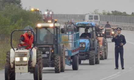Ανοιξε η Πατρών-Κορίνθου που είχαν αποκλείσει οι αγρότες