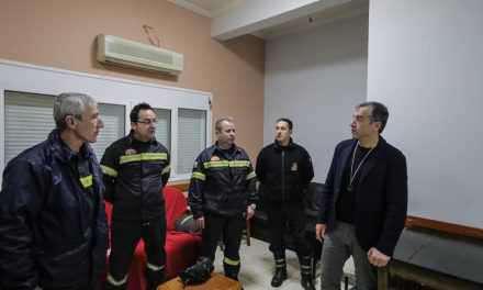 Φωτιά στο κέντρο του Αγρινίου – Οι ήρωες της Πυροσβεστικής Υπηρεσίας!
