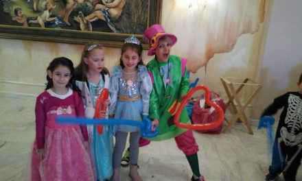 Ξεφάντωμα στο αποκριάτικο χορό του 21ου Δημοτικού Σχολείου Αγρινίου