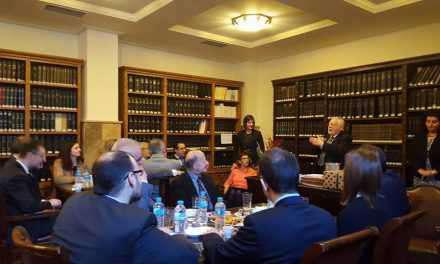Ο Δικηγορικός  Σύλλογος  Αγρινίου έκοψε την Βασιλόπιτα