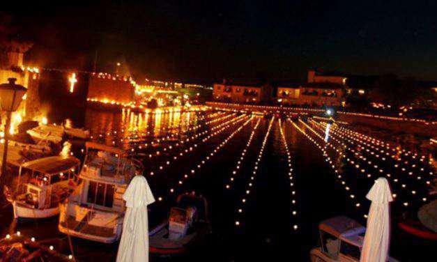 Εντυπωσιακό έθιμο στη Ναύπακτο τη Μεγάλη Παρασκευή (φωτο-βίντεο)