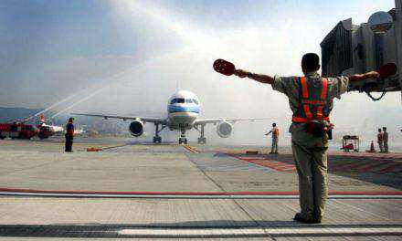 38 πυροσβέστες μεταφέρονται στο αεροδρόμιο Ακτίου-Αντιδράσεις για την αποδυνάμωση των Πυροσβεστικών Υπηρεσιών!