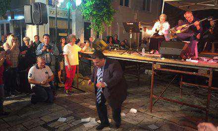 Σε «τσακίρ κέφι» ο Δήμαρχος Μεσολογγίου στη γιορτή Χελιού!
