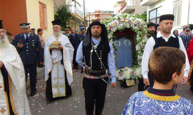 Aγιος Κων/νος: Λιτάνευση της Ιεράς Εικόνας των Αγίων & Ισαποστόλων Κωνσταντίνου & Ελένης και των Ιερών Λειψάνων Αιτ/νων Αγίων