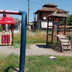 Καλύβια: Σε κακά χάλια και επικίνδυνη η παιδική χαρά!