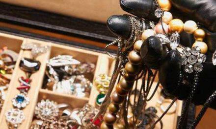 Έκλεψαν κοσμήματα αξίας 15.000 ευρώ από σπίτι στο Μεσολόγγι